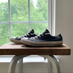 Classic Converse Black and White Low Top